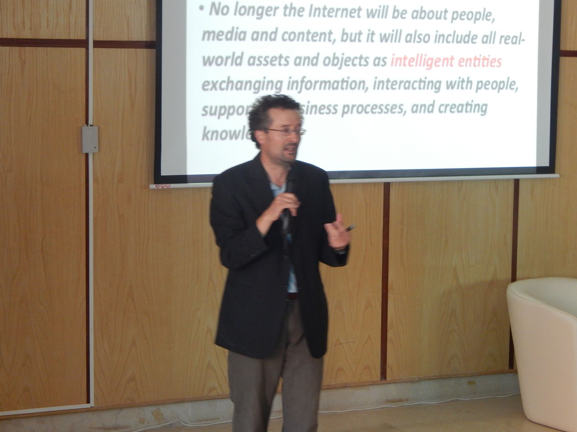 Seminar on : The Internet of Things: Towards a Con